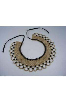 Guler crosetat manual de dama bej cu perle negre Buticcochet