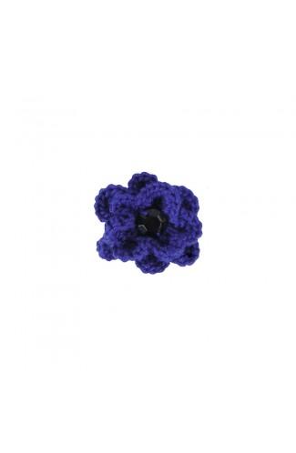 Brosa floricica, fetite, Buticcochet, crosetata manual, Albastra cu piatra neagra