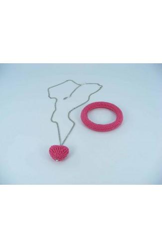 Set cadou Lant cu Pandantiv Inimioara roz bonbon si bratara roz bonbon crosetate manual Buticcochet, SET13