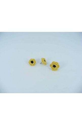 Set cadou cercei si inel cu floare galbena cu perla neagra crosetati manual Buticcochet, SET05