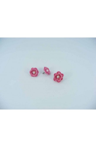 Set cadou cercei si inel floare roz cu perla alba crosetati manual Buticcochet, SET04