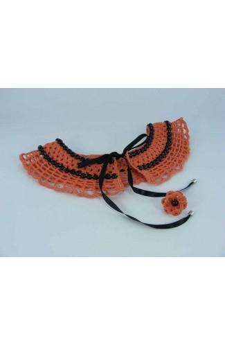 Set cadou guler portocaliu cu perle negre si inel floare portocalie cu perla neagra crosetate manual Buticcochet, SET08