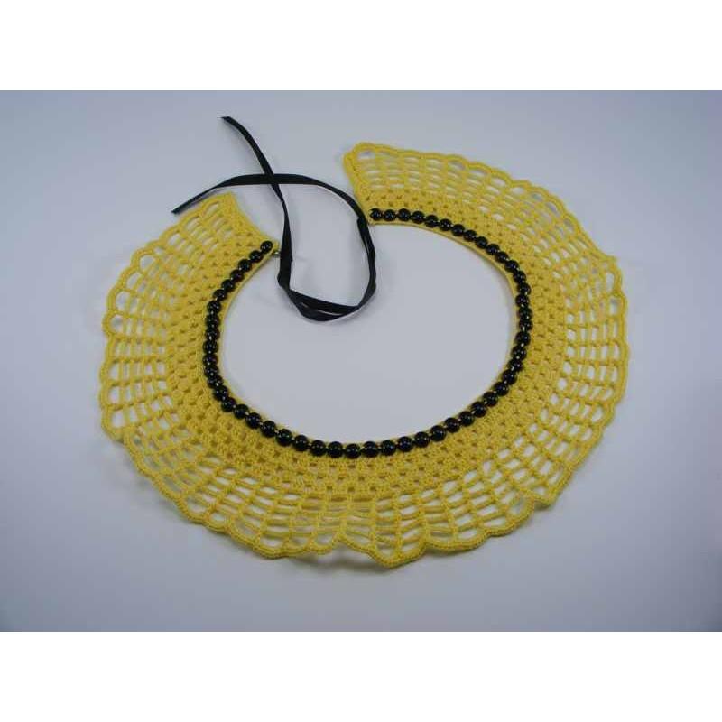 Guler crosetat manual de dama galben cu perle negre Buticcochet