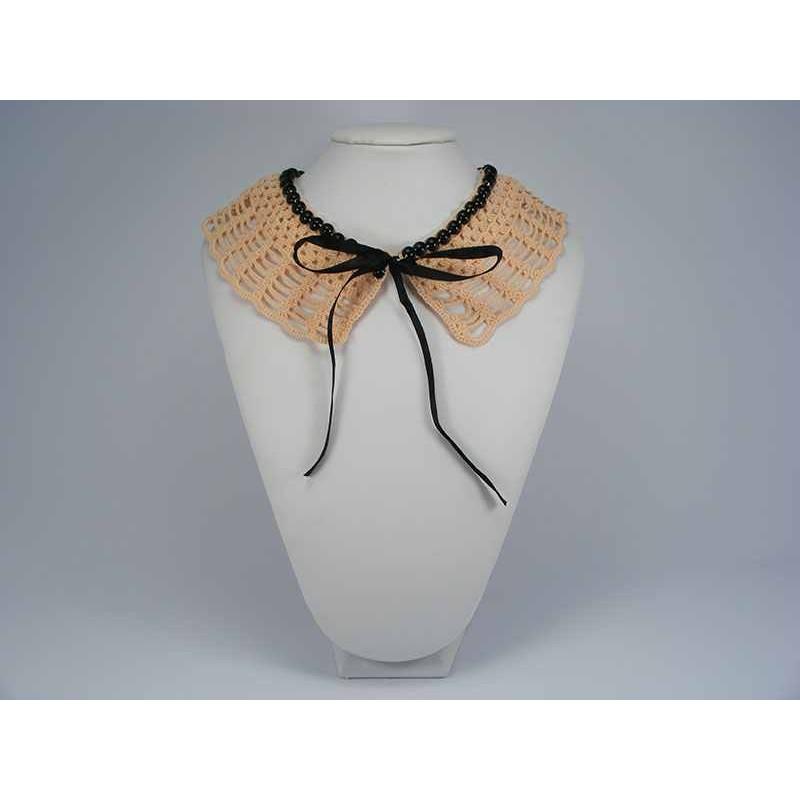Guler crosetat manual de dama roz cu perle negre Buticcochet