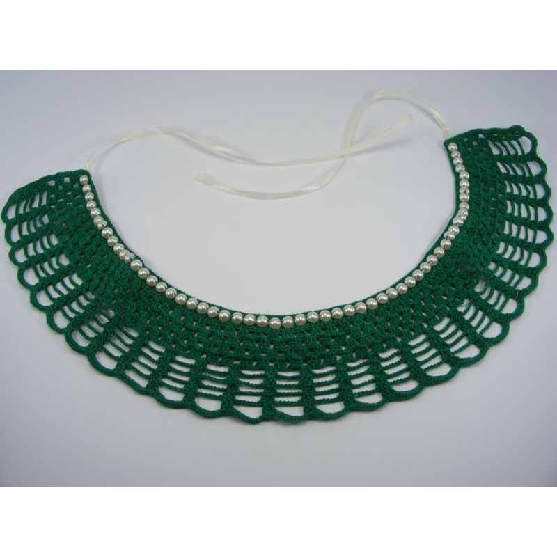 Guler crosetat manual de dama verde cu perle albe sidefate Buticcochet