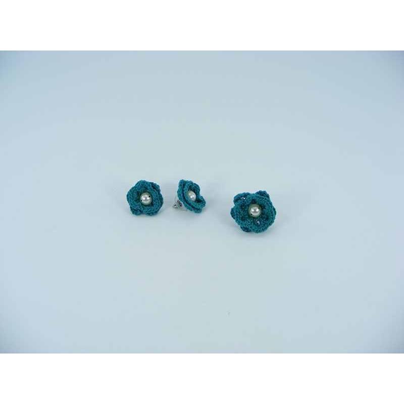 Set cadou cercei si inel floare verde cu perla alba crosetati manual Buticcochet